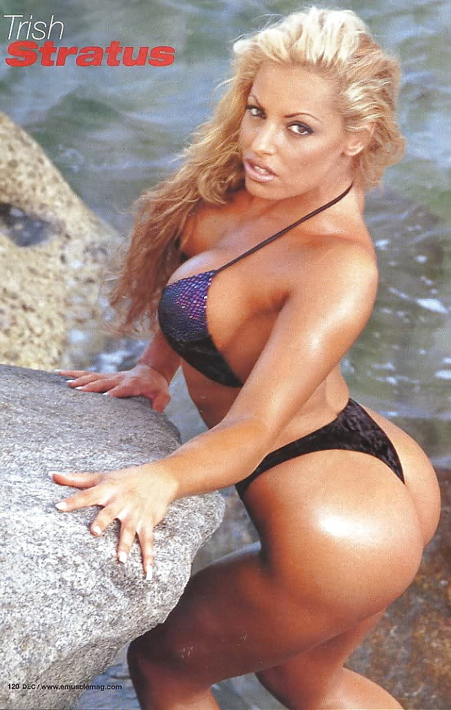 trish-stratus-hot-tits