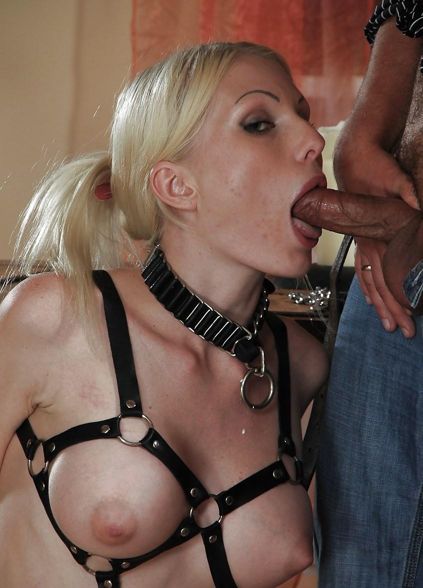 Извращение над блондинками упругие большие