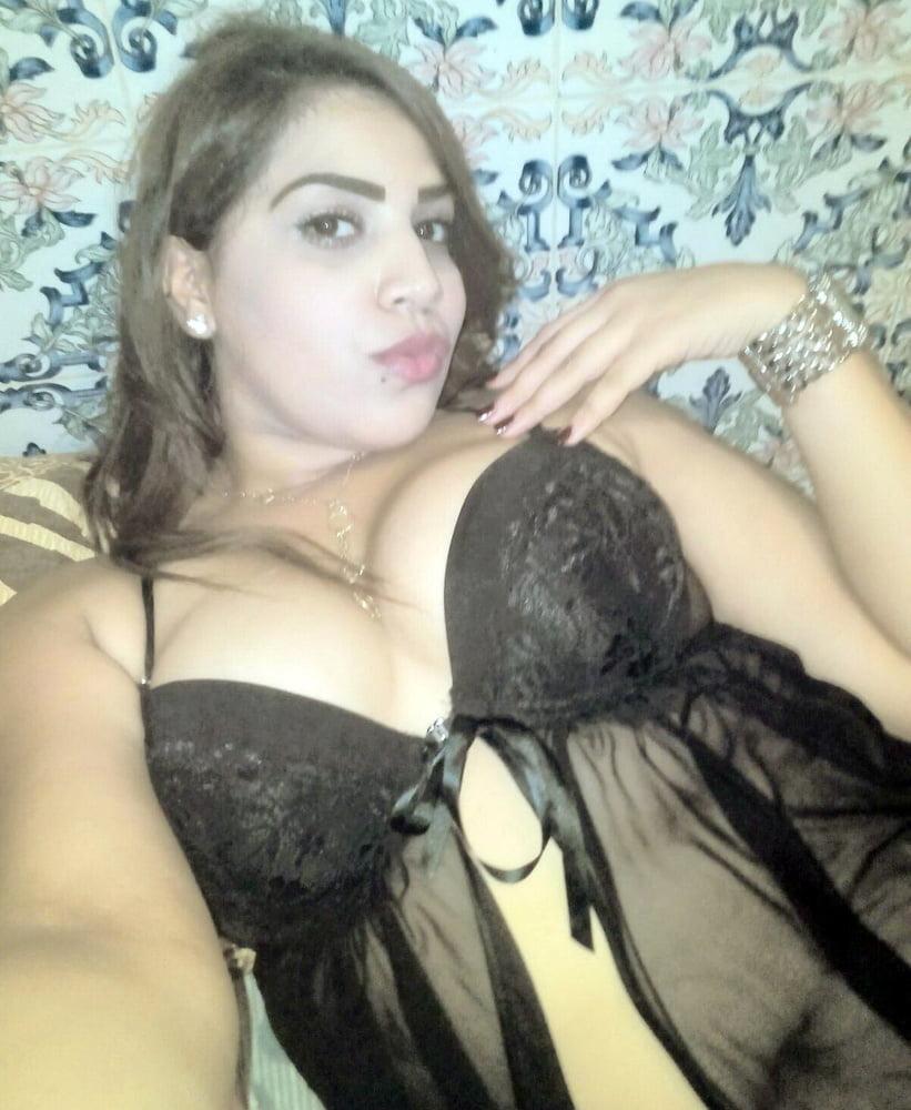Arab milf for cum tribute