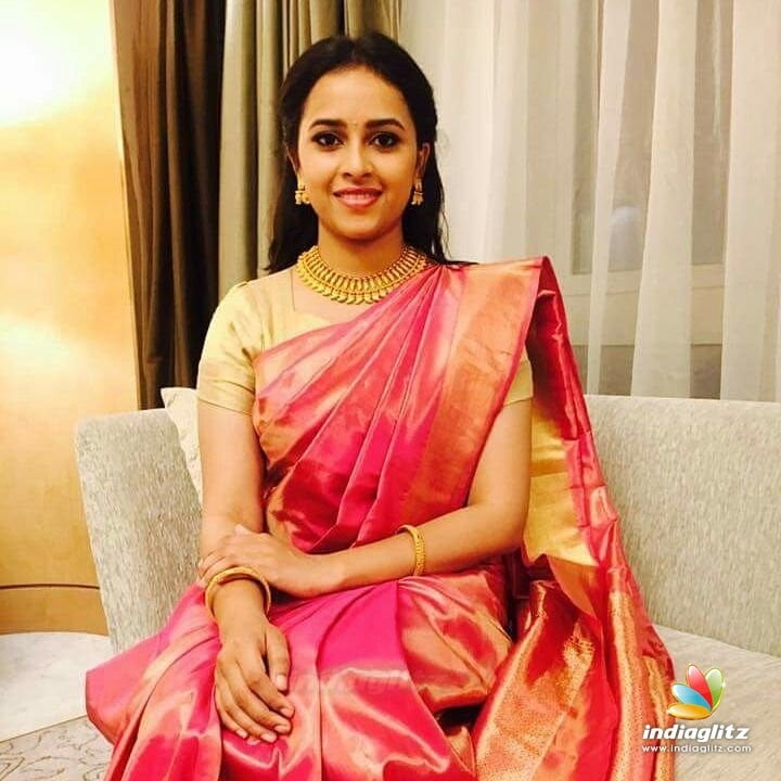 Sri divya sexy images