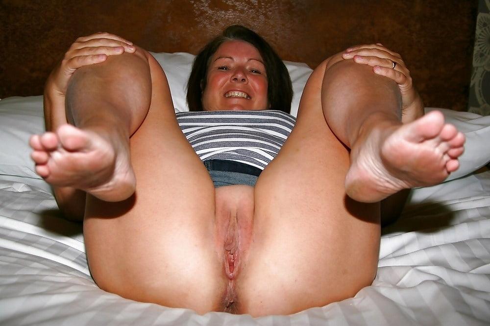 kelly-xxx-bbw-soles-naked