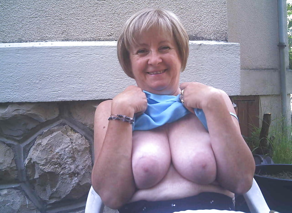 grannies-shows-tits-womens-fantasy-young