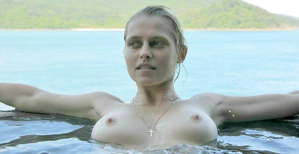 Teresa palmer nude photos leaked in celebrity hacking scandal involving jennifer lawrence
