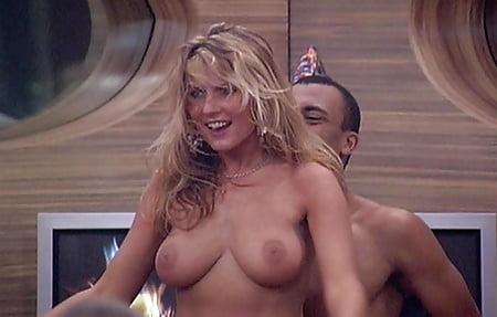 Natalia Osada Hot