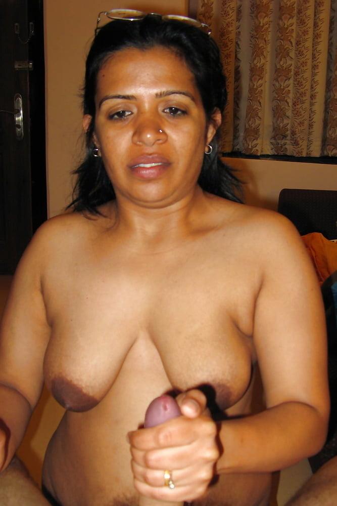 Egypt Nude Aunty Back