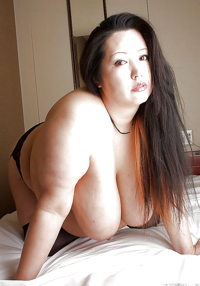 Curvyasian_on_white video