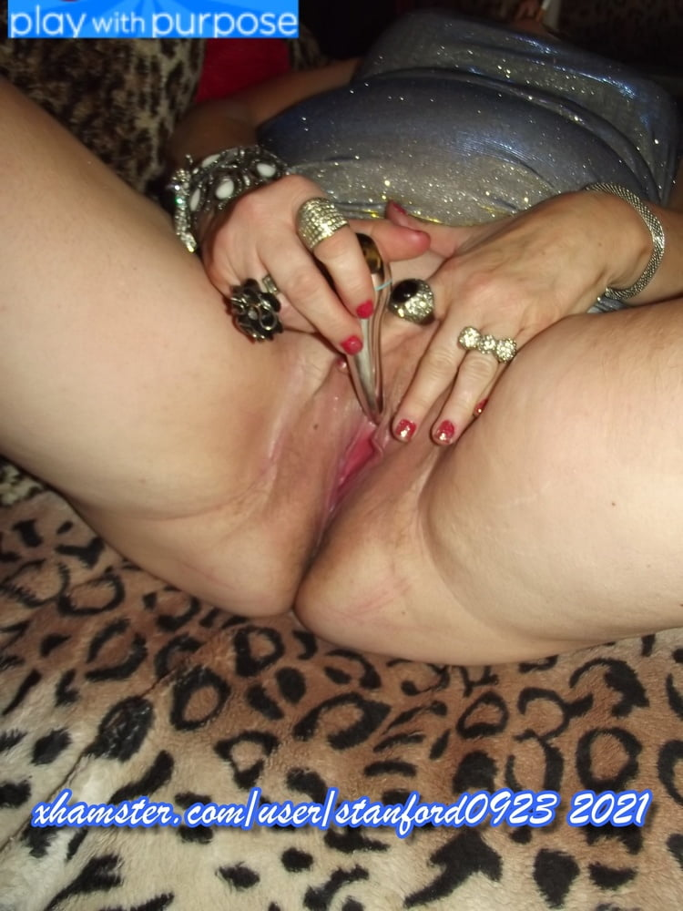 WHORE PLAYING WITH HERSELF