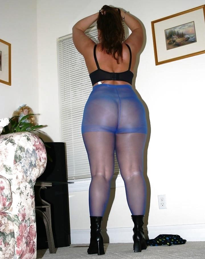 black-nylons-chubby-miss-piggy-in-lingerie