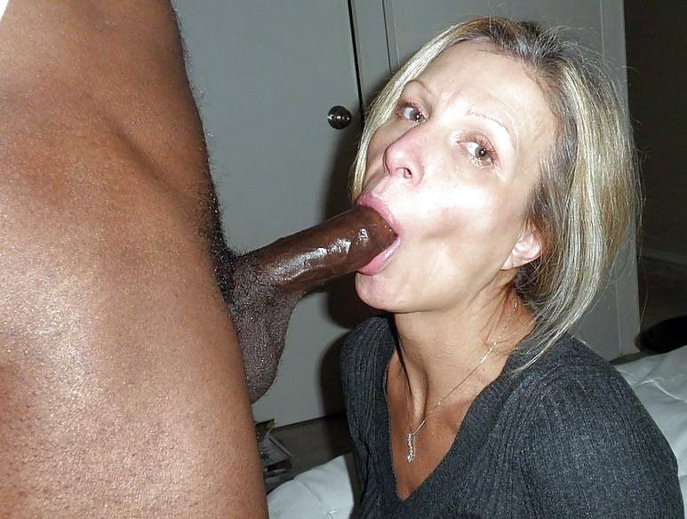 Thick ebony sucking white dick