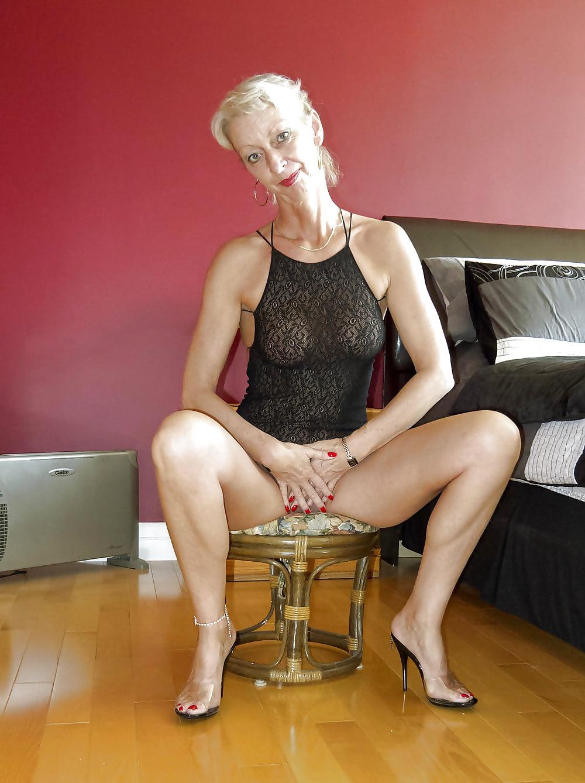 ann-fucks-naked-grannies-sexy-legs
