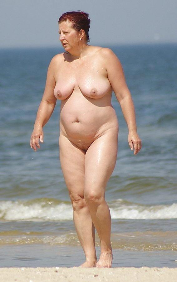 Фото толстых голых людей на пляже, фото спит после ебли