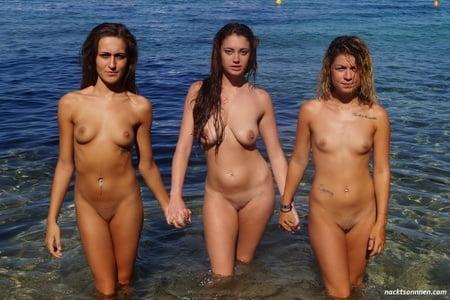 Nackt schwimmen gallery