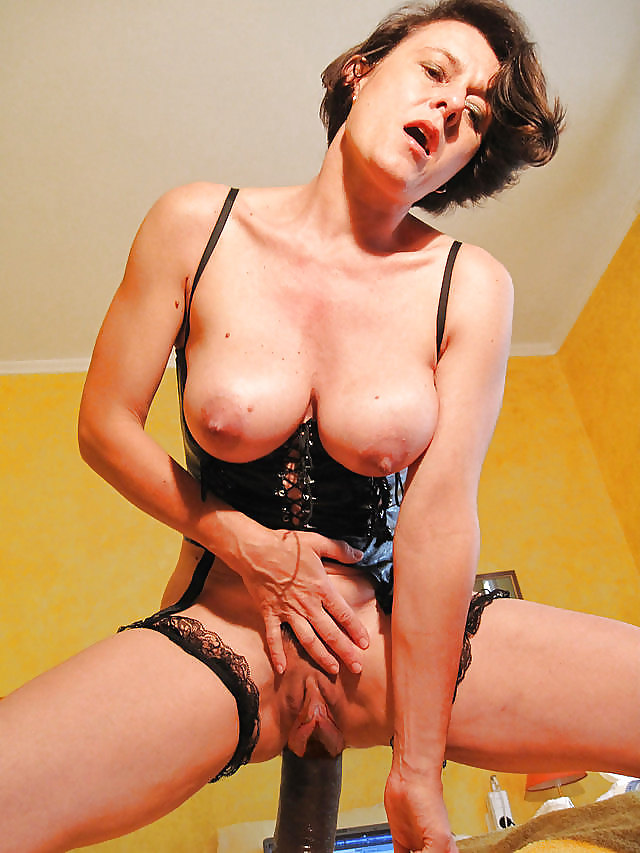 Catherine - French Lady With Meaty Long Pussy Lips - 49 -2294
