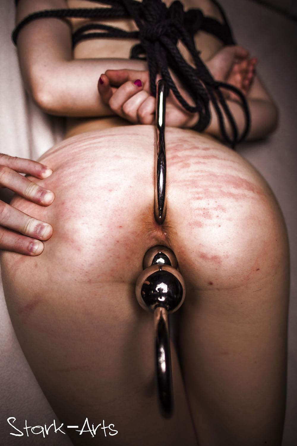 Short clip spanking