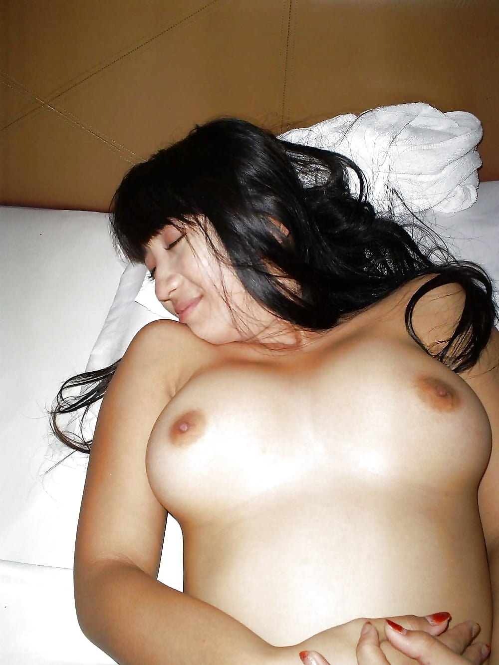 Black naked indonesian gf girl