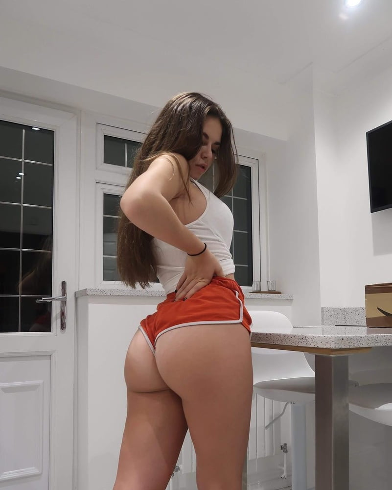 Gamer Girl Big Ass Teen