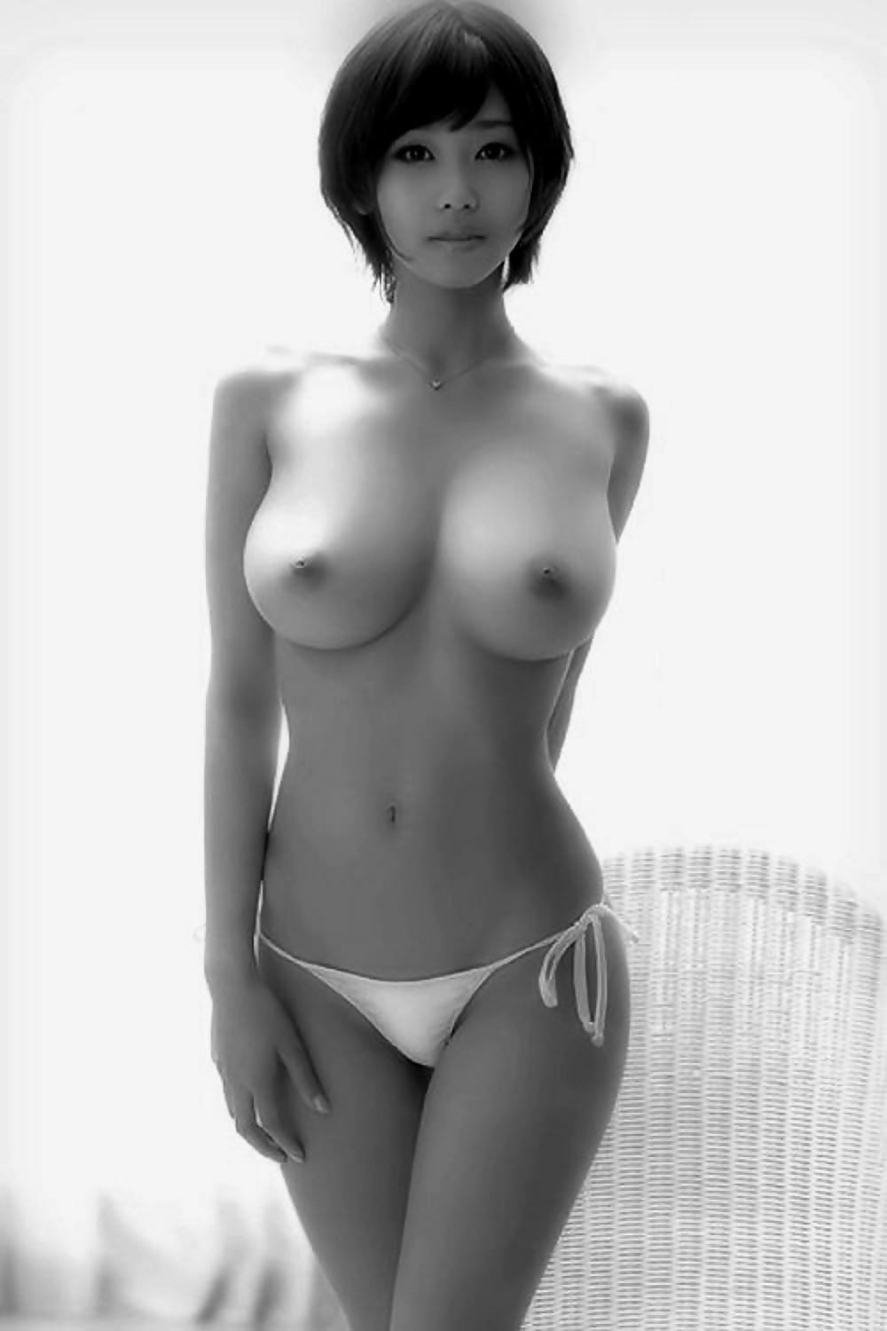 Skinny girls shaved pussies