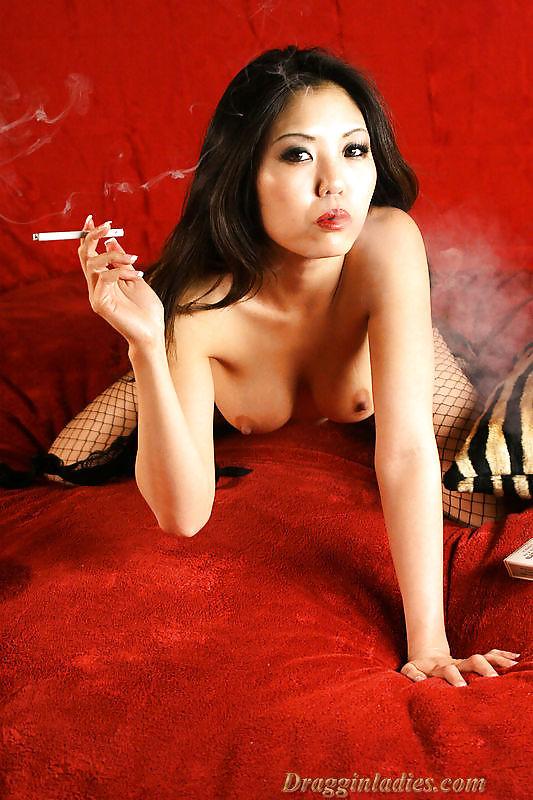 Kaiya smoking fetish at dragginladies