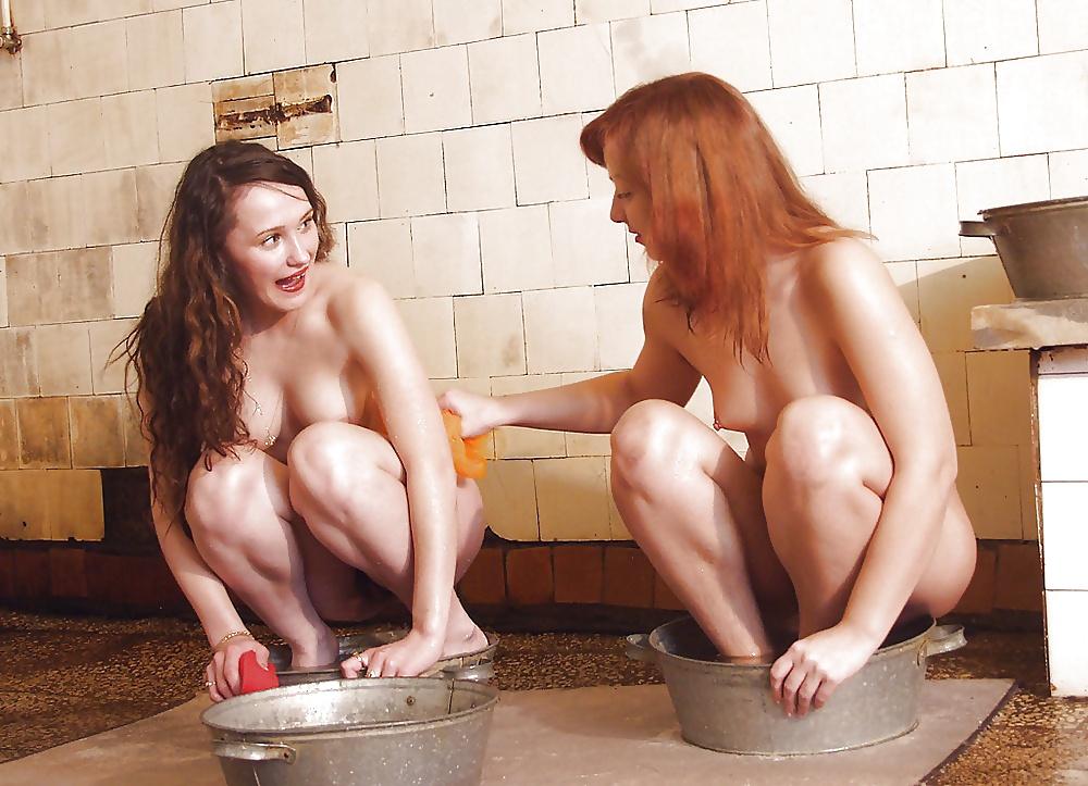 повели такого девушки голые моются секс видео как полноправный