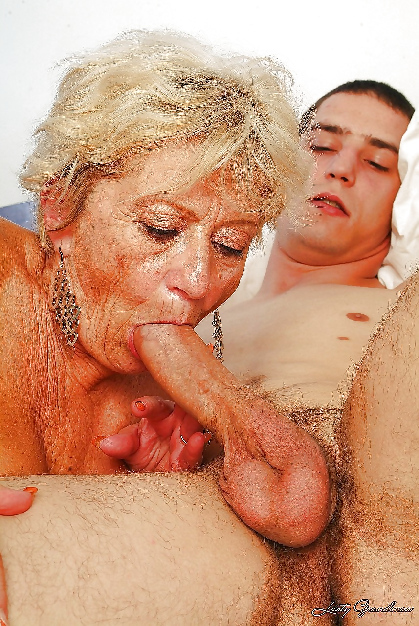 Grannies with male female sex organs clips 1