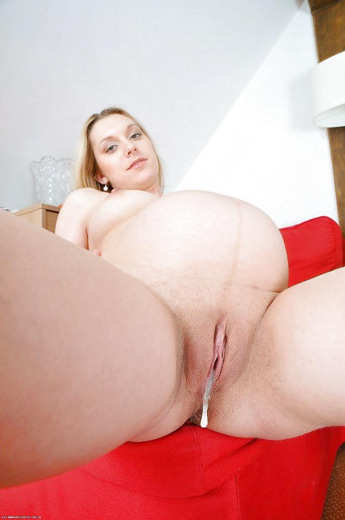 Pregnant creampie porn