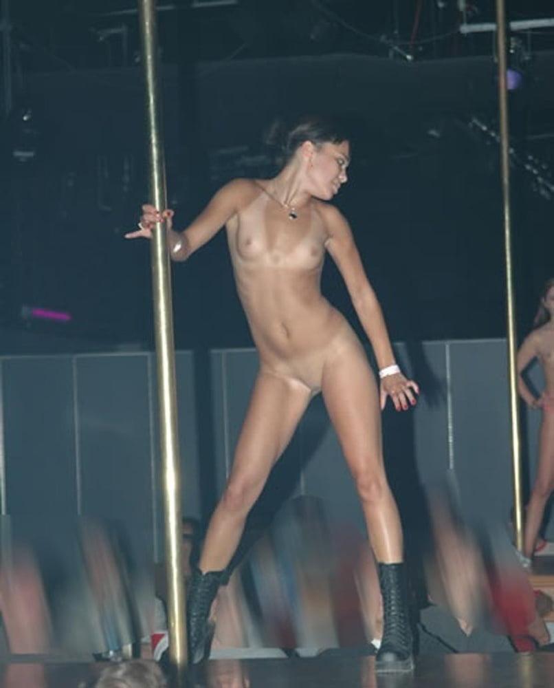 bunnies-nude-german-female-stripper-woman