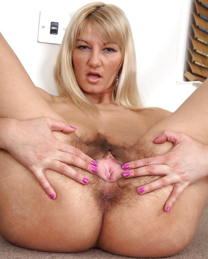 Hairy Mature Blonde Milf Vanessa Fuq 1