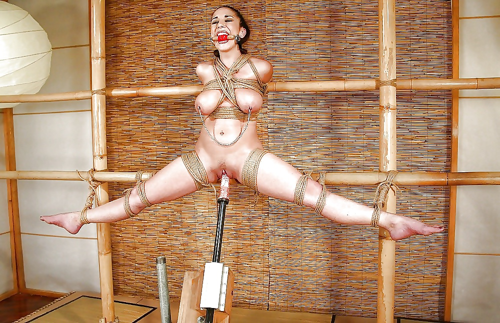 Nude For Torture Contest