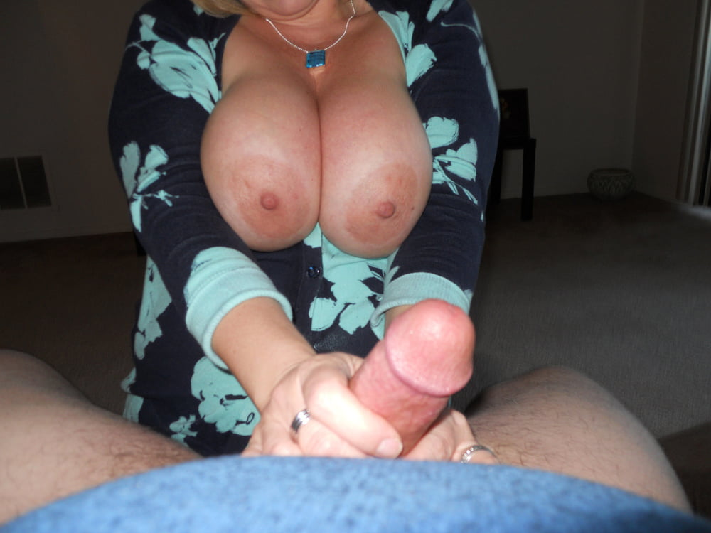 Big boob amateur wife porn — pic 6