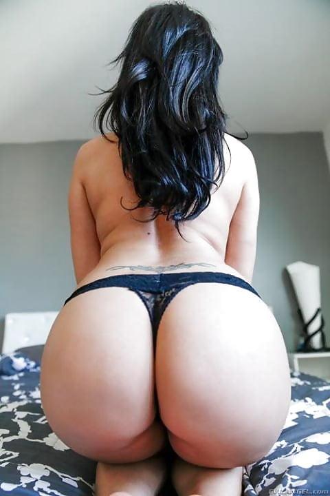 short-big-booty-girl-fucked-bodybuilders-tits