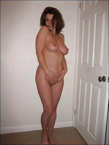 Amateur milf stripping