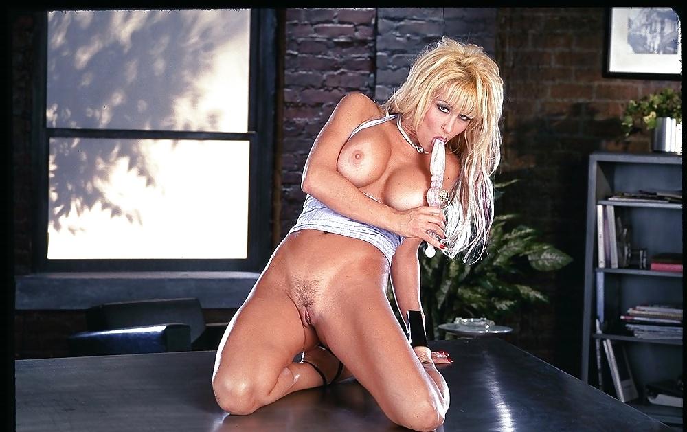 Jill Kelly Galeries