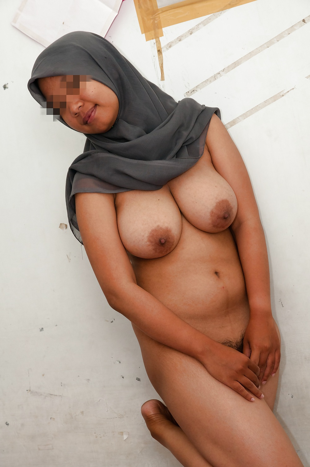Nude indonesian muslim girl, raven having sex with robin