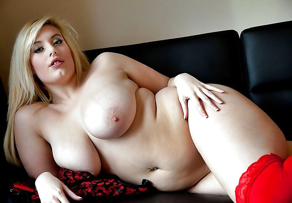 Big Tits Chubby Blonde Cherry B Modelling Nude Outdoors