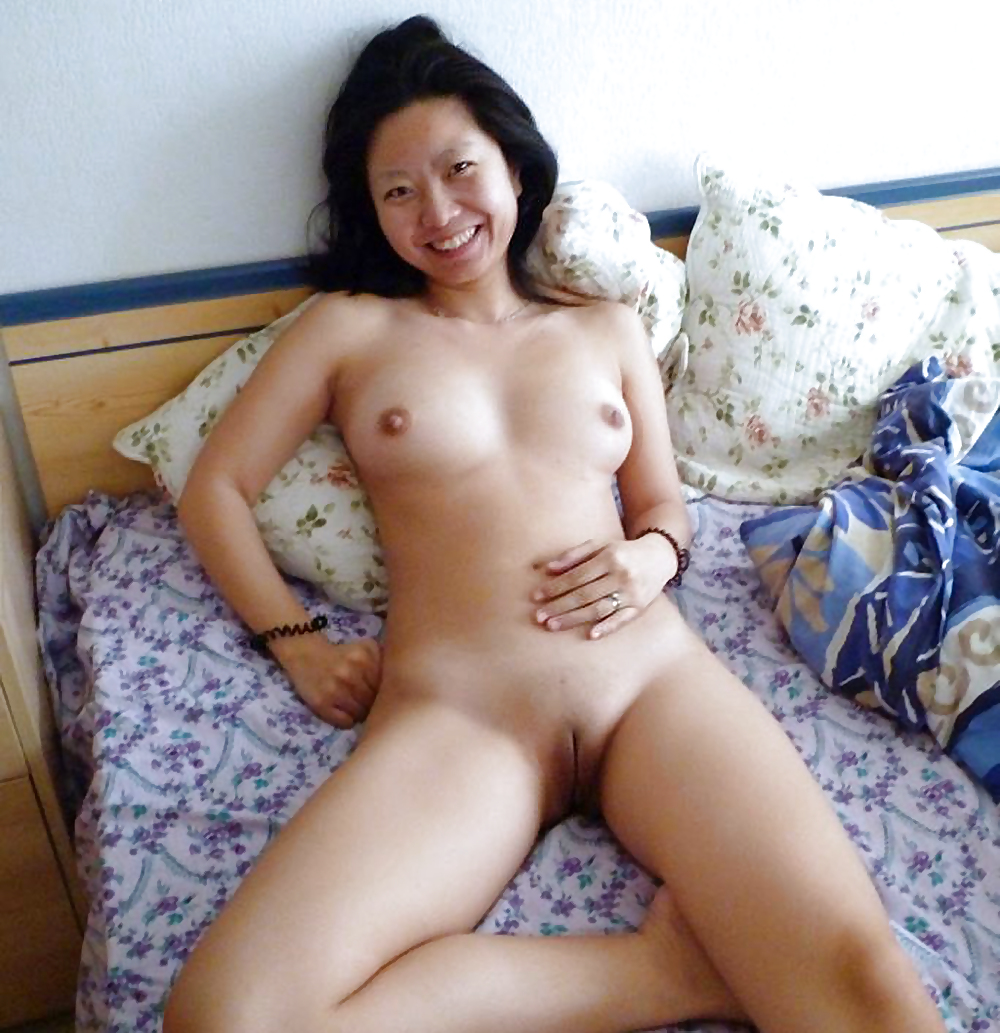 Singapore Chinese Girl Expose Nude Sarong Party Girl
