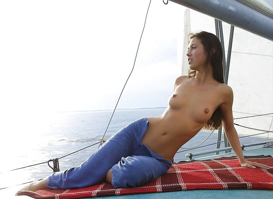 Sexy sailing pics — photo 8