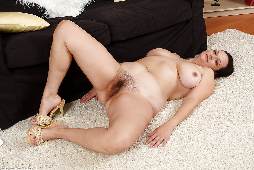 Thick and hairy women-9900