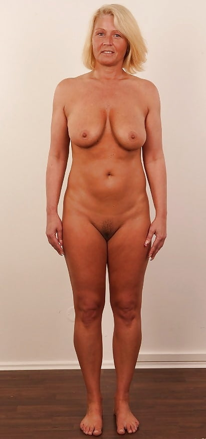 Naked Shapely Nudes Pic