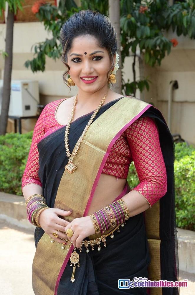 Madhavi latha nude images-5289