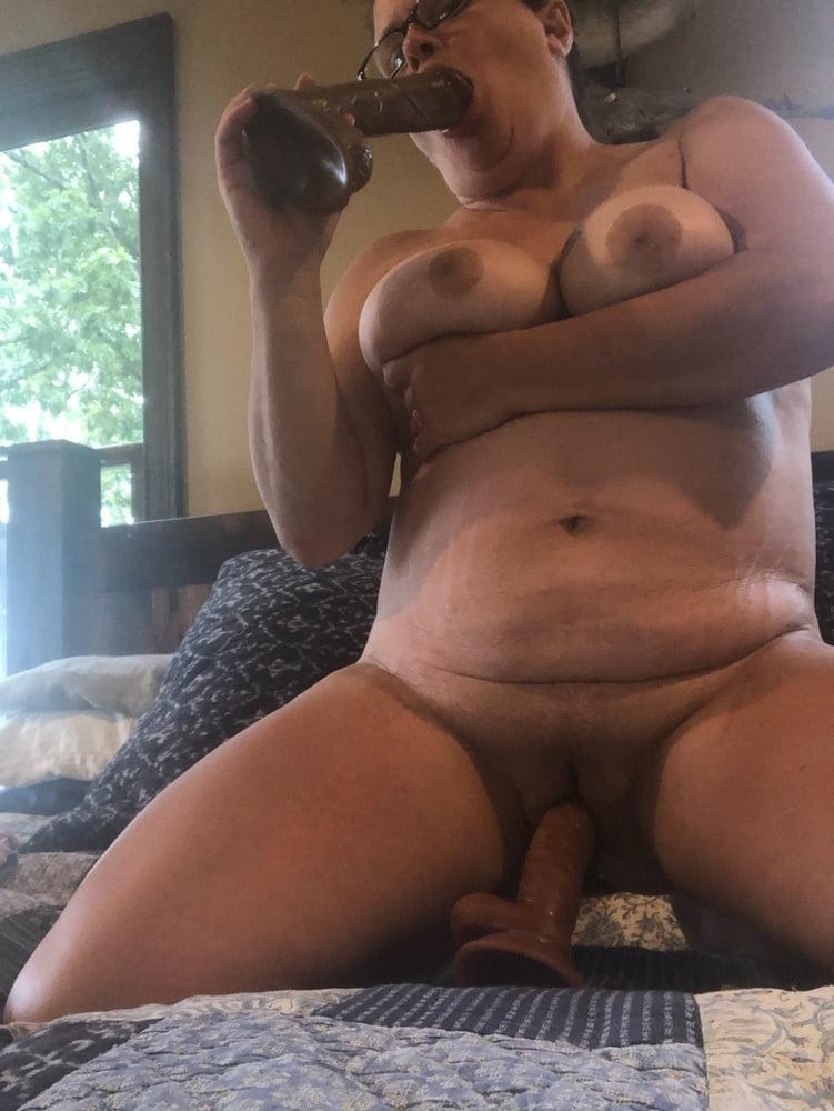 Horny wife needs cock - 7 Pics