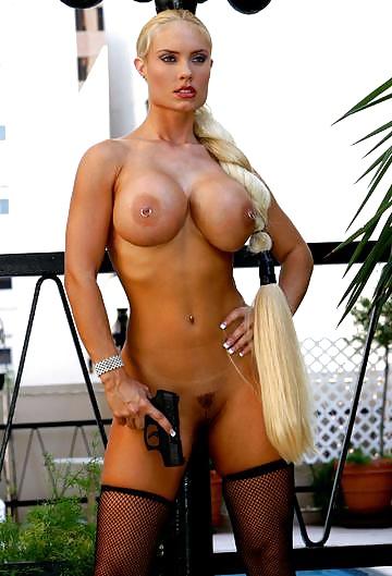 fake-nude-pics-of-coco-big-tits