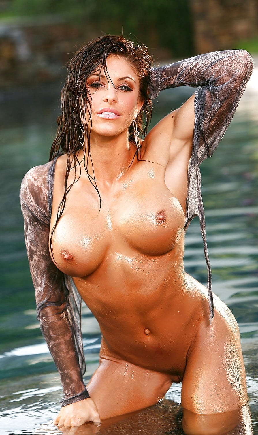 Sexy Nude Girls Pussy Wet