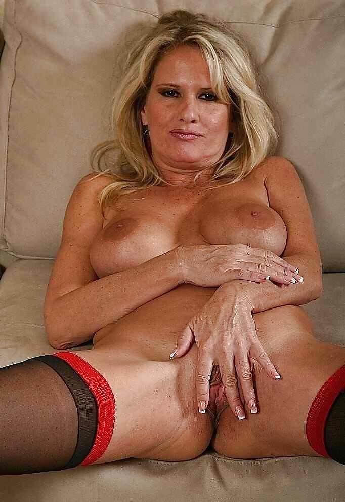 Mature cougar porn, mature nude photos