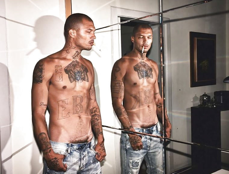 pictures-of-pharrell-williams-naked