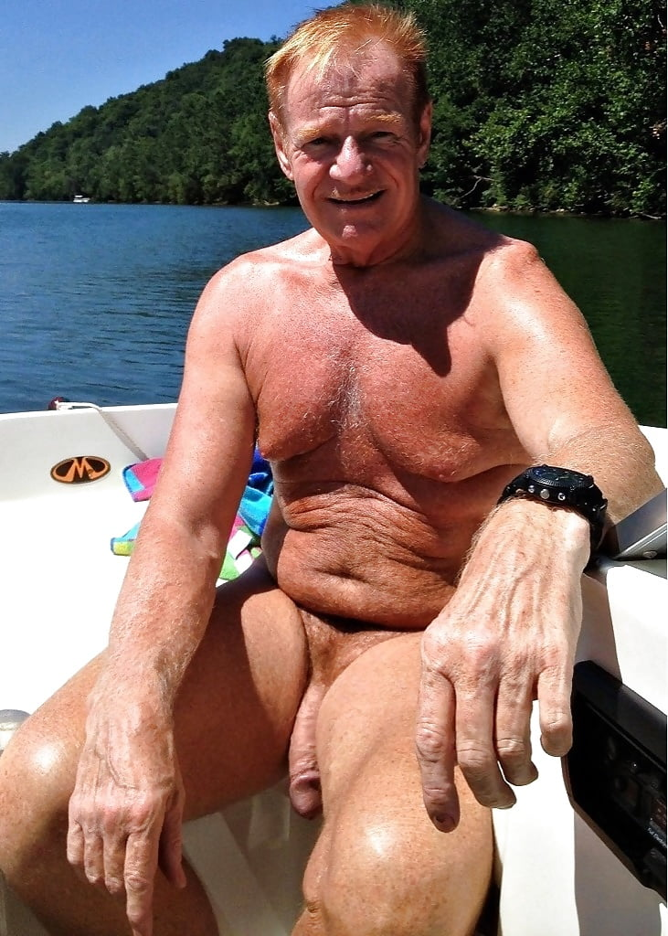 naked-old-man-in-hot-tub