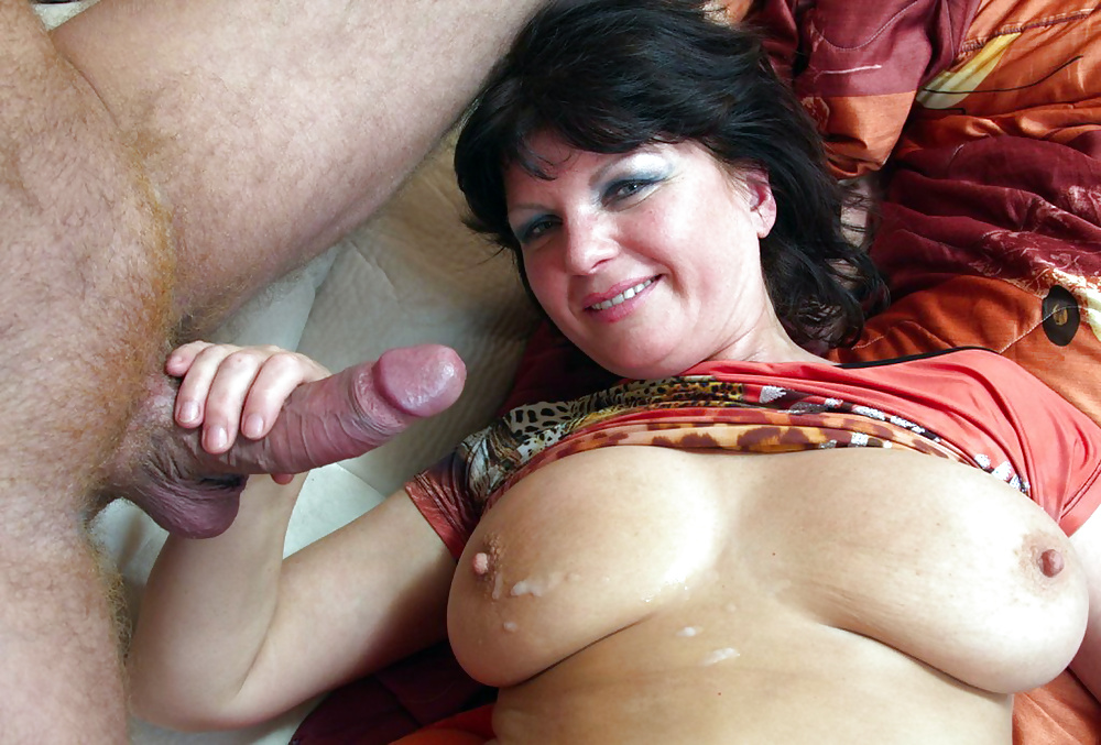 Horny Asian Mature Bitch Gets Wet Hairy