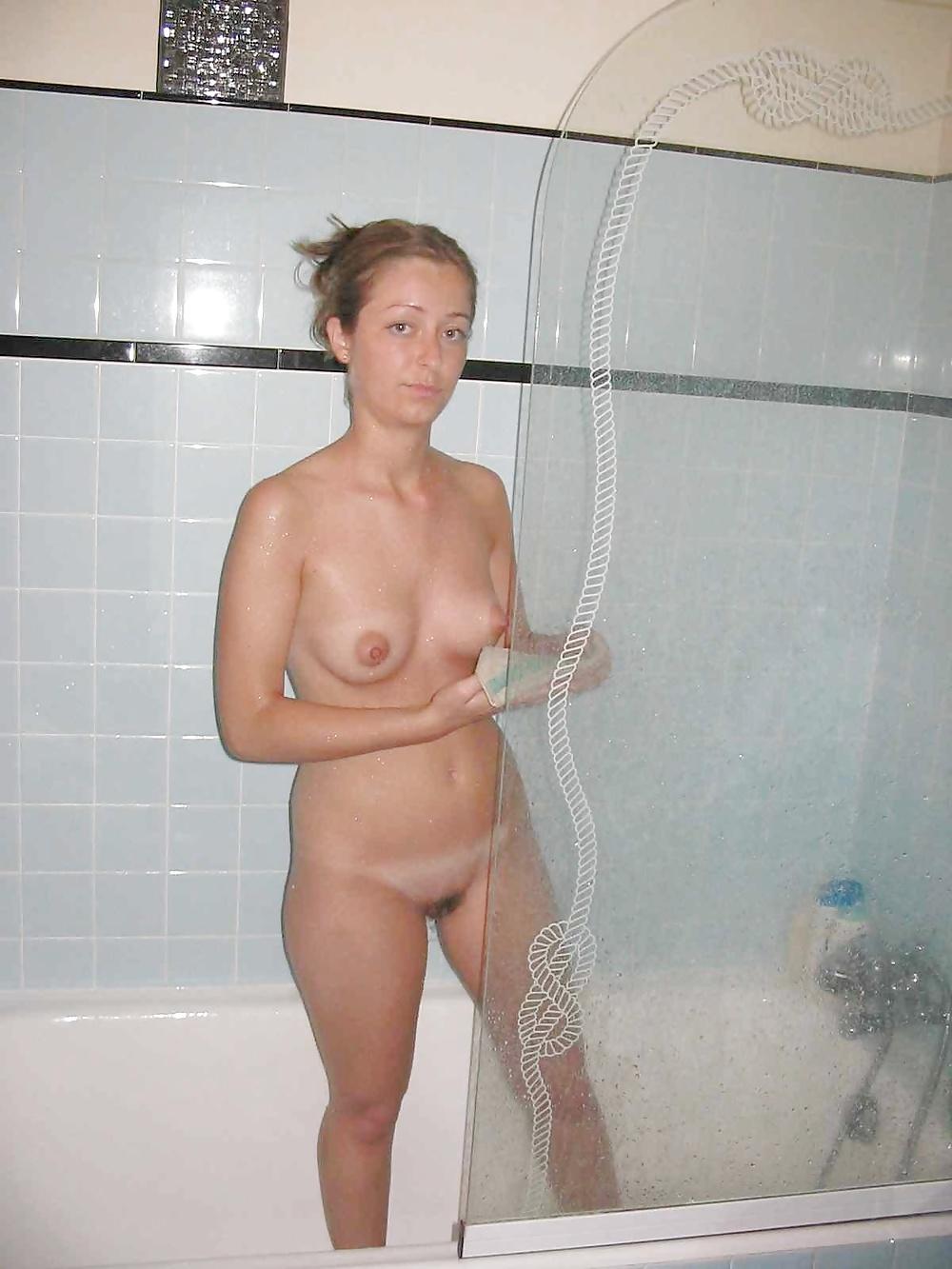 amateur-mom-naked-shower-she-loves-the-vibrator