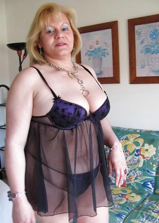 Sexy Mature Amateur 06