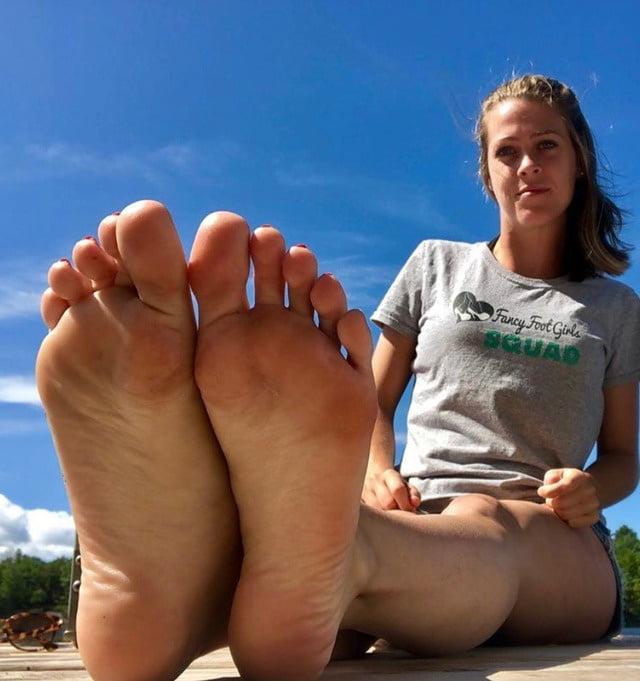 Foot fetish - 29 Pics