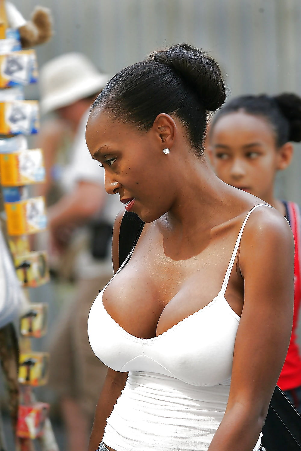 black-beautiful-ladies-with-big-boobs-tasting-her-own-pussy